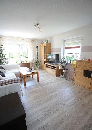 Freiwerdendes Mehrfamilienhaus im Regensburger Westen! - voll unterkellert und inkl. Garage