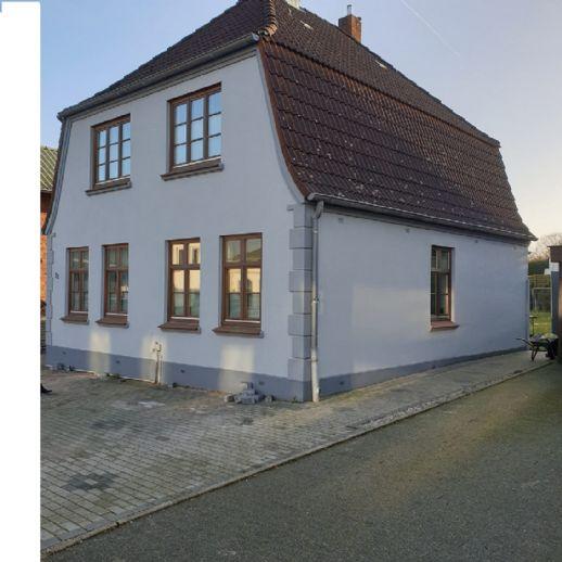 Gemütlichkeit garantiert - Charmantes Einfamilienhaus mit Garten in Süderbrarup