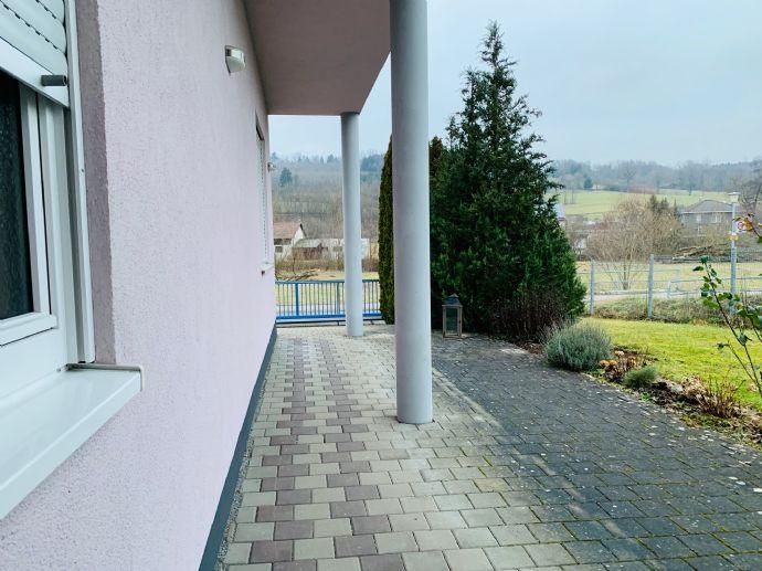 Repräsentatives Büro-Wohn-Geschäftsgebäude mit Grundstück und viel Lagerkapazität!
