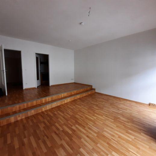großzügige, zentrale 1-Zimmerwohnung in der Stralsunder Altstadt mit Aufzug, EBK, WE04