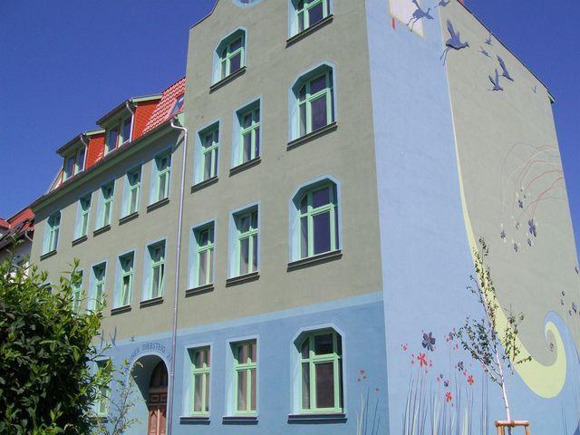 Moderne 2-Zimmer-Altbauwohnung mit Balkon in zentraler Lage + PKW möglich