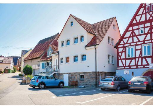 Provisionsfrei/ Neuwertiges Zweifamilienhaus zu verkaufen/ Preis verhandelbar