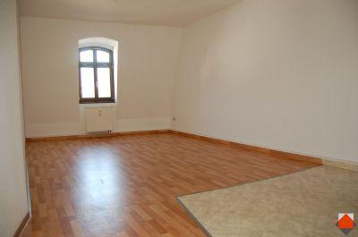 2-Raum Dachgeschoß Wohnung im Stadtzentrum - EBK möglich