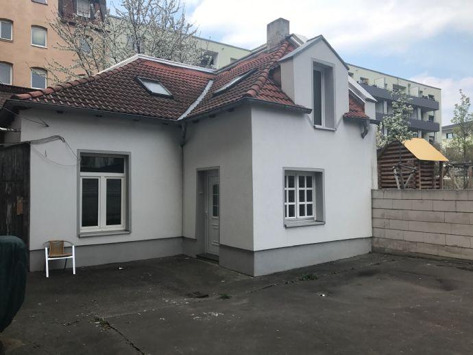 Mal was anderes...  kleines Hinterhofhaus nähe Zentrum zu Verkaufen!!!