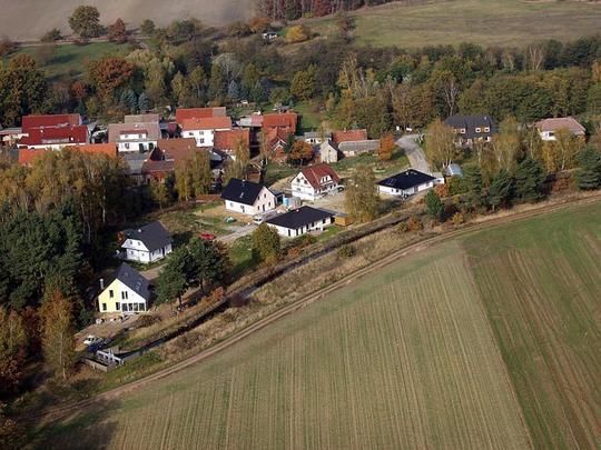 schönes Hang-Grundstück in Satuelle zu verkaufen