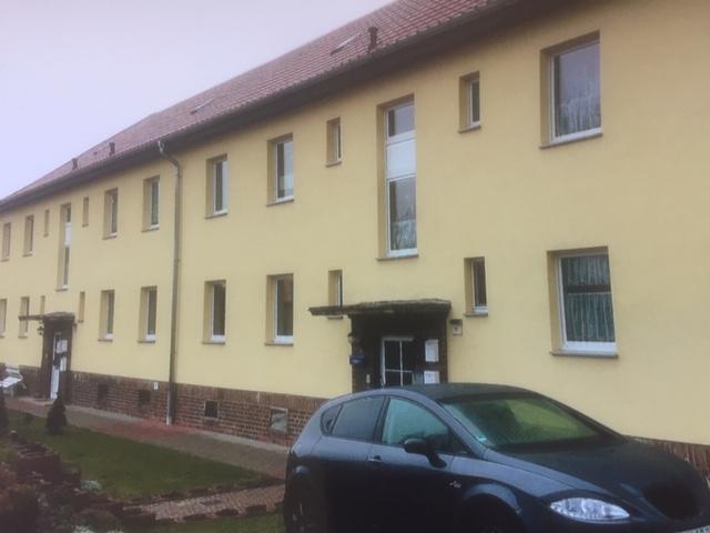 3-Zimmer-Wohnung 65m² in Teuchern OT Naundorf mit Garage zu vermieten