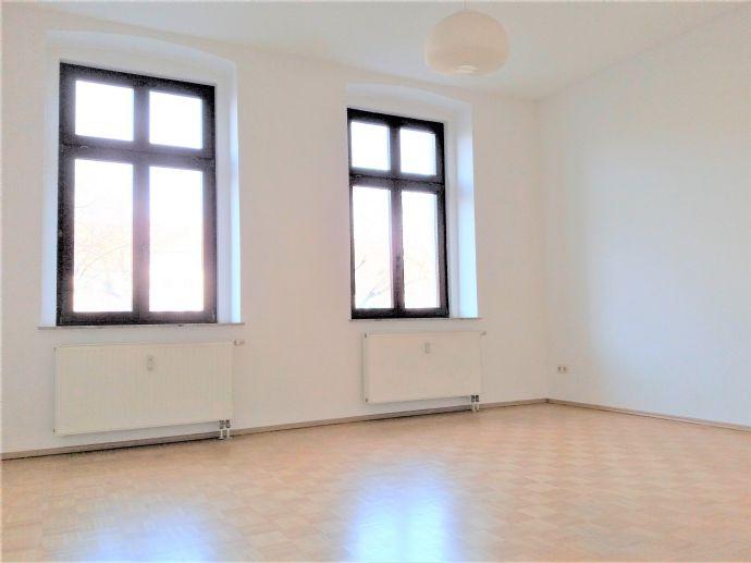 Wohnen in bester Lage! 2-Raum Wohnung am Elisabethplatz mit EBK und Stellplatzmöglichkeit