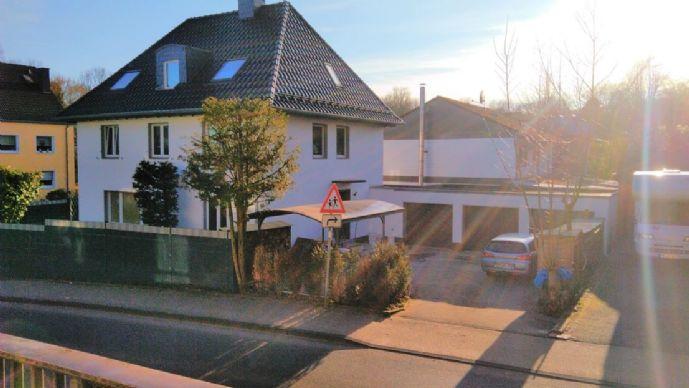 Lichtdurchflutete, luxuriöse 2-Raum Dachgeschosswohnnung, im Herzen von Mettmann.