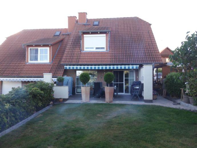 Hochwertige Doppelhaushälfte mit Garten in Habichtswald Dörnberg!
