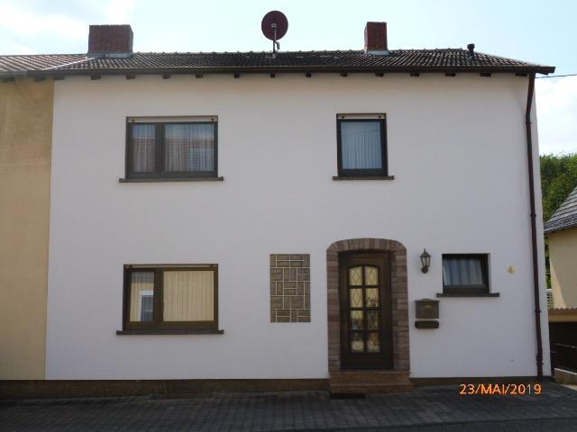 Wannemacher Immobilien **** Top Angebot! Schönes Ein bis Zweifamilienhaus in ruhiger Sackgasse direkt am Wald ****