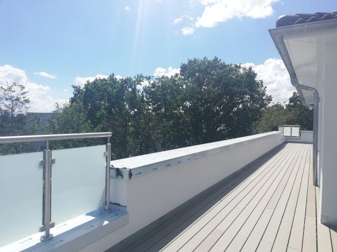 Hoch hinaus! 3 Zi. Neubau-Penthouse-Wohnung mit 2 TG-Stellplätzen und großer Dachterrasse