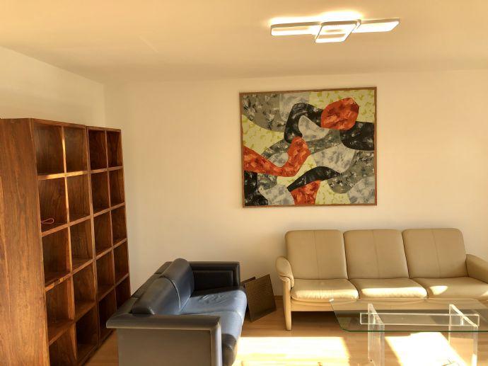 Kernsanierte und vollmöblierte 3,5 Zi-Wohnung in sonniger, ruhiger Lage zu vermieten