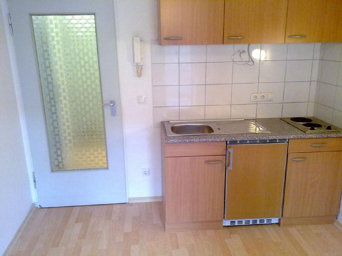 *** Schönes Appartement mit Balkon und Küche***