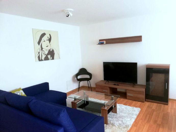 Möblierte Wohnung inkl. Strom mit Balkon, Tiefgarage und Aufzug / sehr gute Anbindung