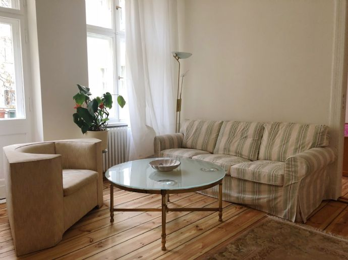 Komplett möblierte, helle, ruhige, 2 Zimmerwohnung im Gartenhaus - frisch saniert