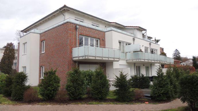 Hochwertige 3 Zimmer Wohnung in Traumlage in Poppenbüttel
