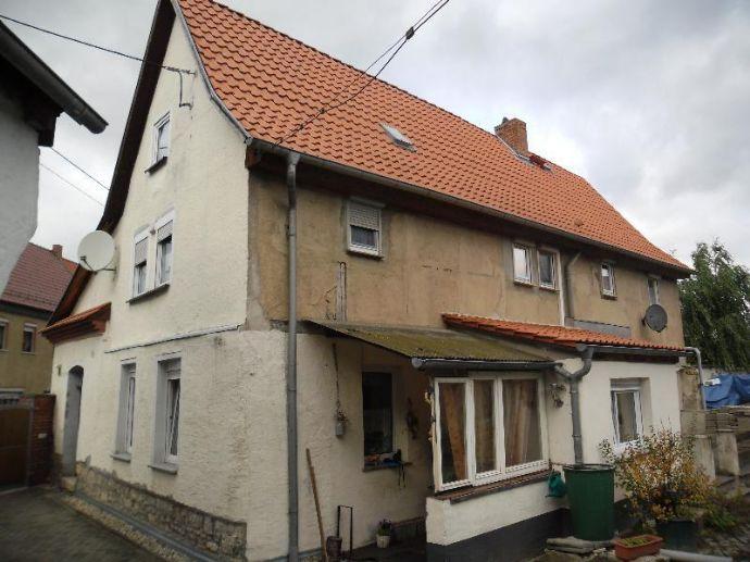 Wohnhaus mit Nebengelass in Hedersleben