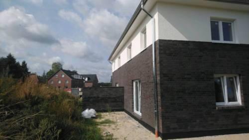 Bleckede - Courtage 3,9 % - Elegant Wohnen in großzügiger Neubau DHH
