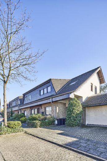 Dreifamilienhaus in Köln Pesch