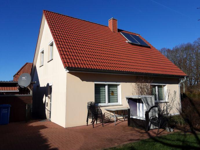 Einfamilienhaus 9 Kilometer bis zur Ostsee