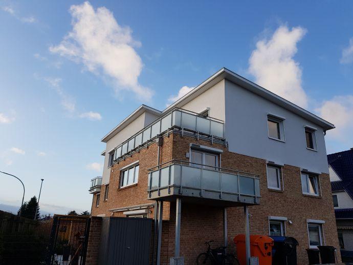 Helle, freundliche 3,5-Zimmer Wohnung im 1. OG in Bestlage mit Balkon und Stellplatz