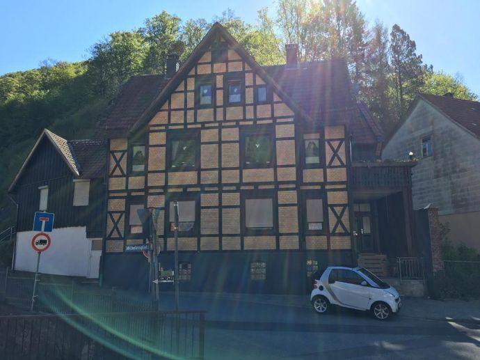 Traumlage im Südharz! Rustikales Fachwerkhaus mit Einliegerwohnung und Garage!