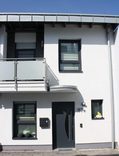 ++ entspannt leben in Rommerskirchen ++ junges, modernes Haus mit toller Einbauküche sucht neue Eigentümer ++