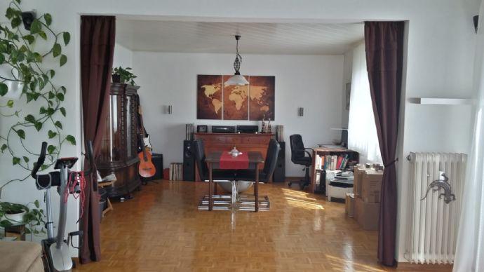 2-Zimmer-Wohnung im 1. Stock mit Balkon, Kaufungen Niederkaufungen