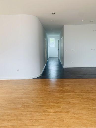 Stylische 2-Zimmer-Wohnung mit Loggia in Rastede