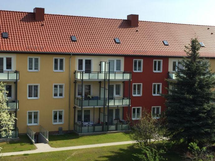 2-Zimmerwohnung, Balkon, Stpl. oder Garage