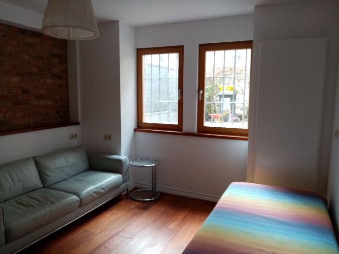 Voll möblierte Zimmer Wohnung in Stadt Villa mit Garten