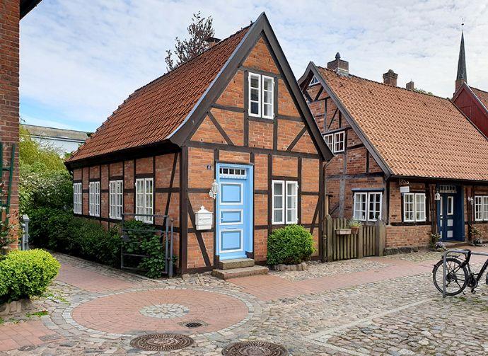 2 Zi. Wohnbüro/Praxis im schmucken Stadthaus im Heiligengeistviertel, Perle in der Altstadt von Bad Oldesloe, mit Terrasse direkt an der Trave.