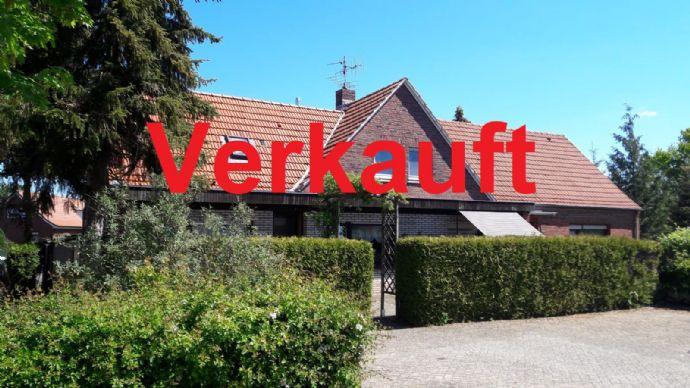 !!Kapitalanleger aufgepasst, Nähe Meyer Werft!! Vielseitig verwendbares Dreifamilienhaus mit 10 Zimmern in Weener OT. Holthusen