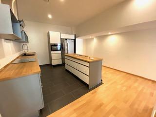SB. Mozartstraße- Gehobenes Wohnen auf 4ZKB mit moderner Einbauküche und Loggia/Wintergarten