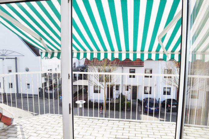 Schwetzingen mod. helle 2-3 Zimmer DG - Wohnung mit großem Süd-Balkon