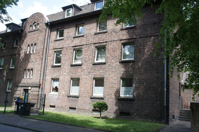 Wohnen am Rhein: helle renovierte 3,5 Raum Whg mit Balkon in Duisburg-Beeckerwerth **WBS erforderlich**