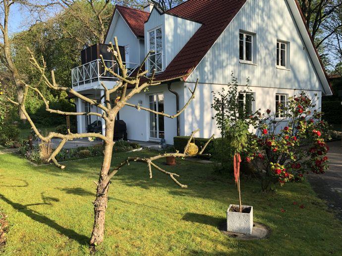 3-Zimmer-Wohnung mit Garten und Einbauküche in Volksdorf