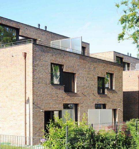 Moderne und lichtdurchflutete Doppelhaushälfte