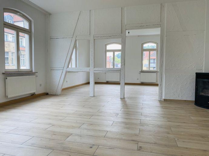 Traumhaft großzügige 2-Zi.-Wohnung in der Coburger Innenstadt – komplett saniert - Erstbezug