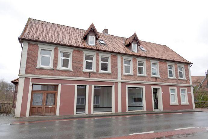 Im Stadtzentrum und trotzdem Natur pur - Ansprechendes Wohn-/Geschäftshaus mit Potential