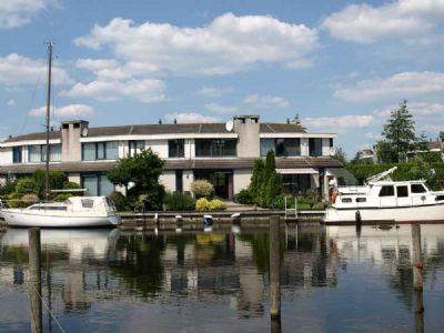 Ferienhaus Lemmer, Boot, 11m Steganlage, Ijsselmeer, 110m², Park Brekkense Wiel  86