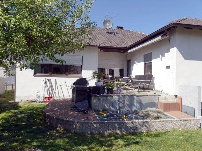 Manching - Modernes Einfamilienhaus mit Doppelgarage