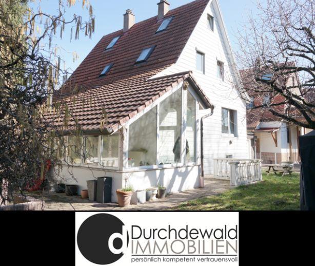 Freistehendes Einfamilienhaus mit schönem Eckgrundstück