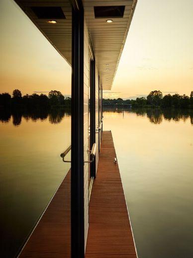 LUXUS Hausboot - 2 Etagen - 120 m² Wohnen - 25m² SONNENTERRASSE - Kamin, Sauna, komplett individuell