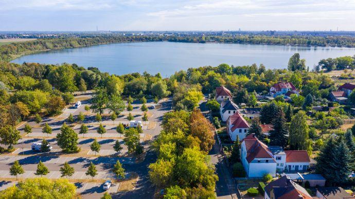 Neusanierte Immobilie am Kulkwitzer See mit einem großen Grundstück