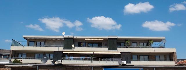 Traumwohnung mit 5 Zi, 2 Bäder, top saniert, großer Balkon, hell