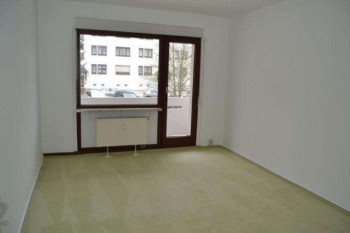 Schöne 4-Zi.-Wohnung in Königsee mit Balkon - Wohngebiet, Am Kümmelbrunnen - Musterwohnung -