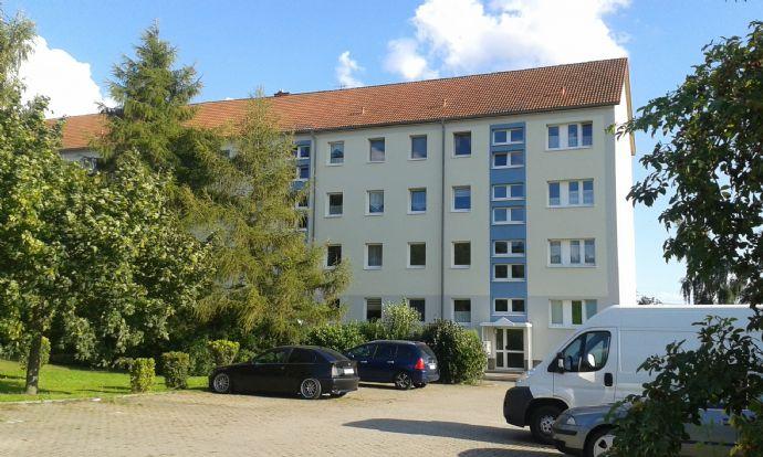 Beyernaumburg: Schöne, günstige, renovierte 1 Raum-Wohnung, 33 m² incl. Keller v. privat im alleinstehenden Block am Ortsrand mit Fernblick und Balkon
