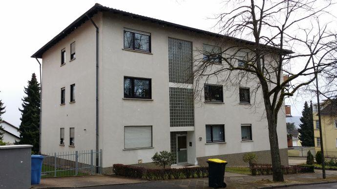 Wohnung mit Balkon und Garage im Haus; zwei Zimmer, Küche, Bad