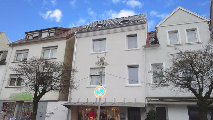 Renoviertes u. vollvermietetes Wohn-/Geschäftshaus am Odilienplatz in Dillingen